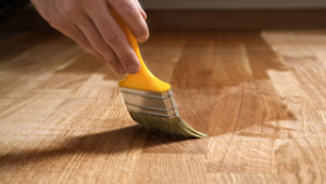 Holzbodenpflege